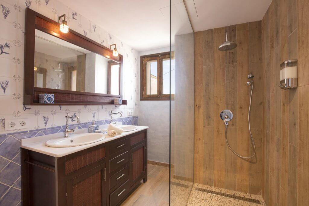 Standard Doppelzimmer - Badezimmer