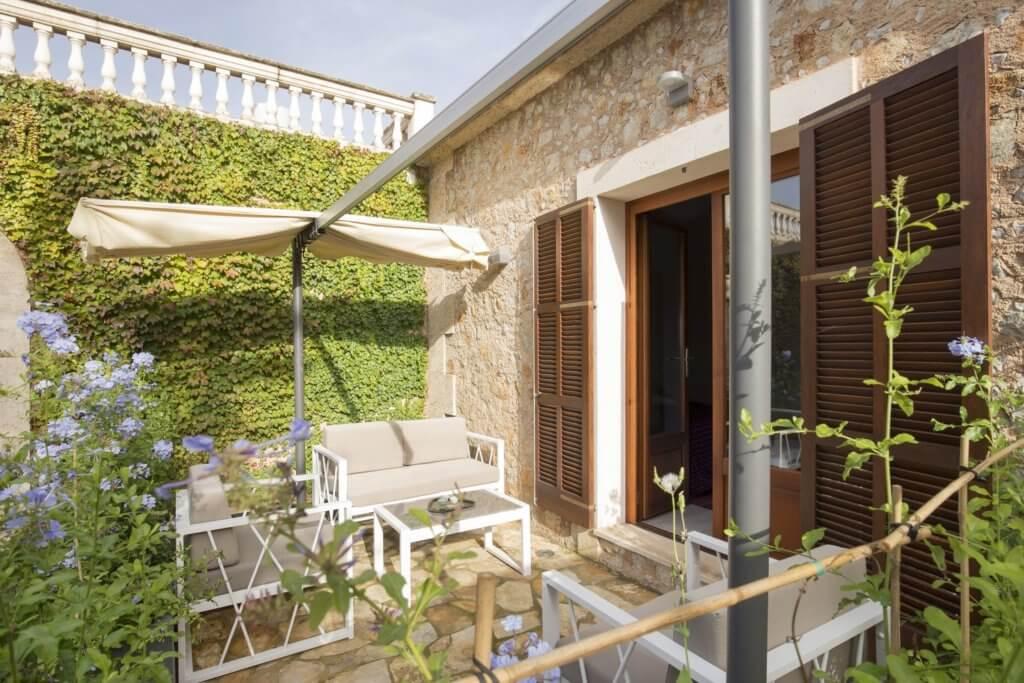 Standard Double Room - Garden Access